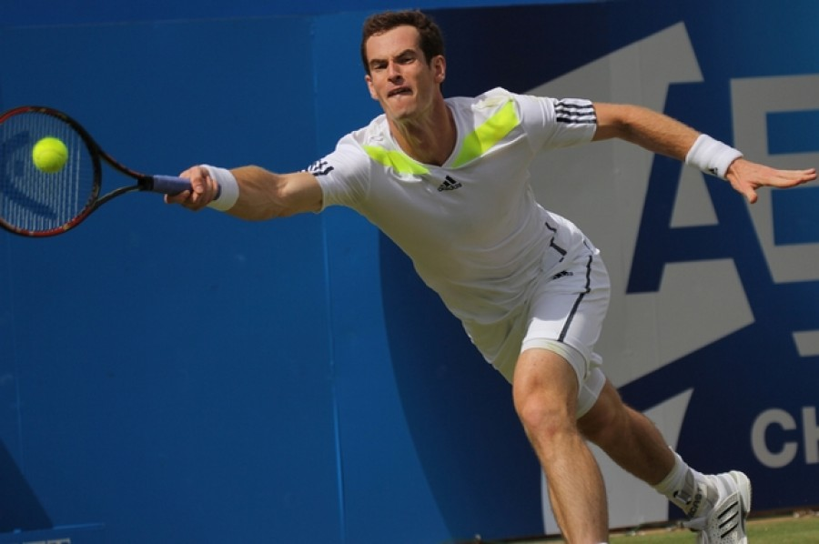 Andy Murray vyzve ve Wimbledonu Milose Raonice