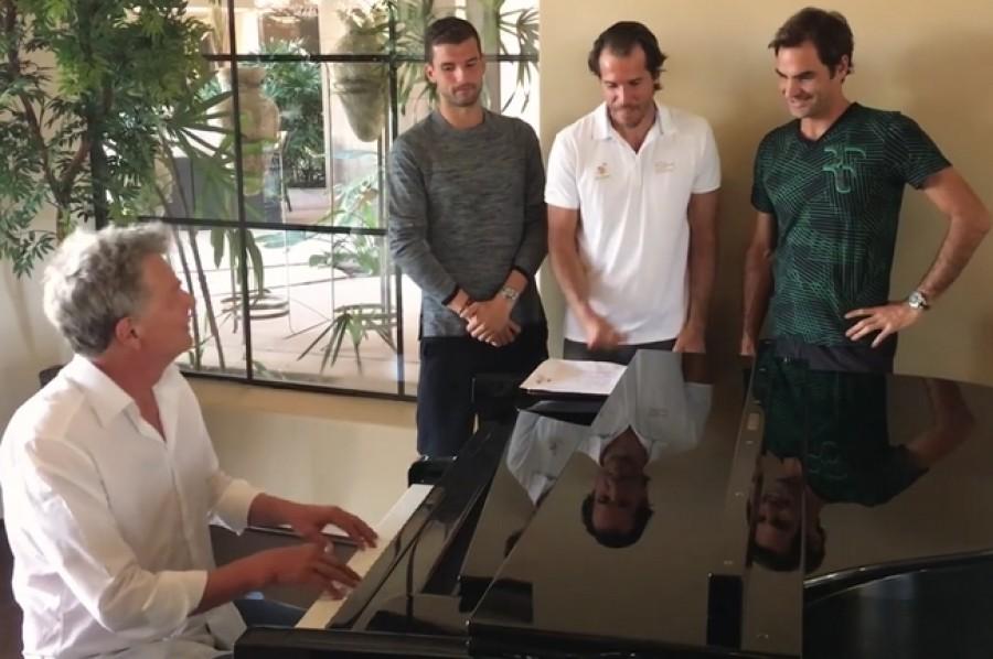 Federer s Dimitrovem a Haasem opět předvedli svůj pěvecký um